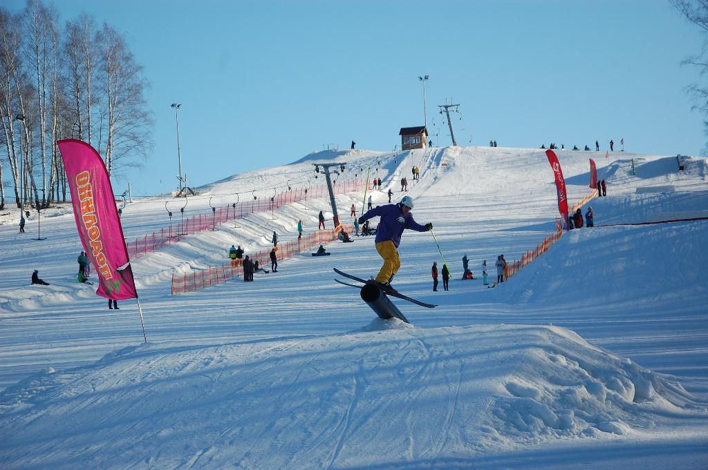 Четыре горнолыжные трассы, подъемник, прокат инвентаря, инструкторская  служба - все это делает горнолыжный склон в Подолино одним из любимых мест  зимнего ... 0d7faa0f788